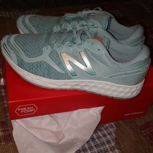New in box New balance shoes